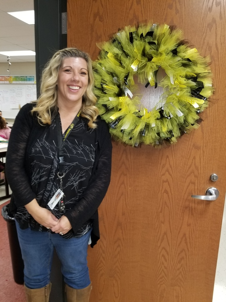 Mrs. Luke's Beekeeper Wreath