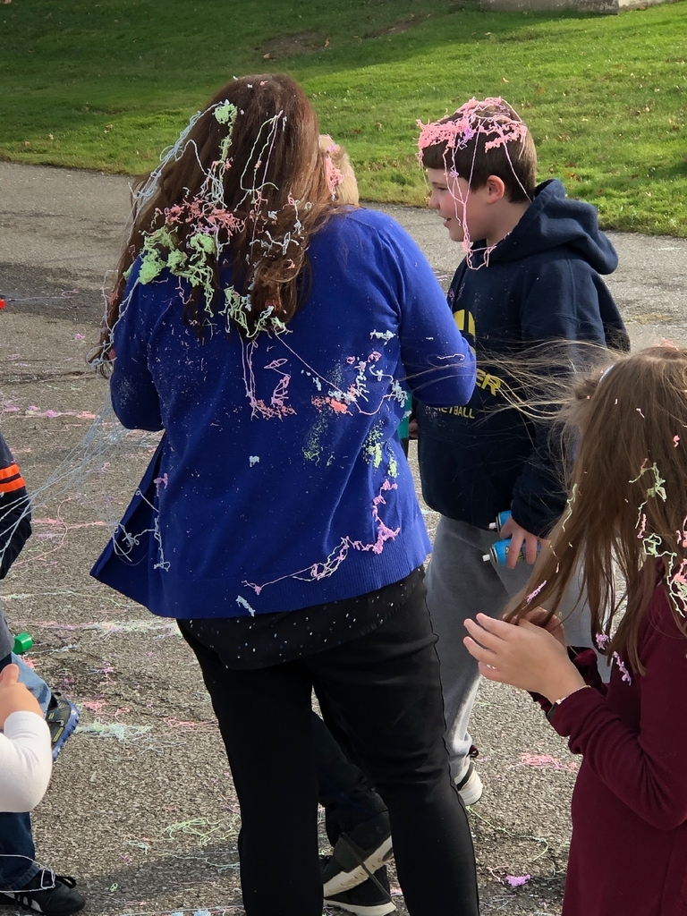 So much silly string!!